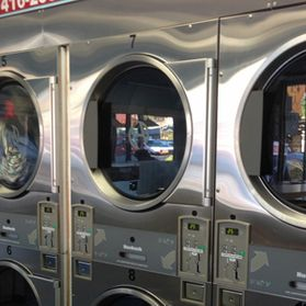 Many laundry units so you don't have to wait